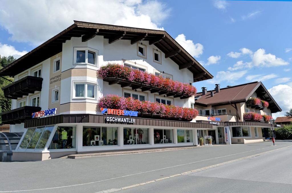 Gschwantler-Angelika-Dorfstrasse-77-Brixen-Haus-Sommer3-09-2015